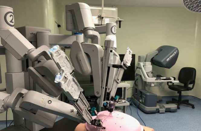 segurança cirurgia robótica